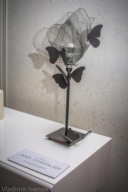 Светильник от дизайнера Яниса Чамалиди